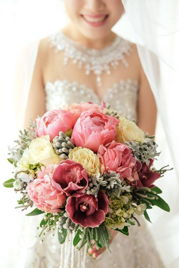 Bridal Bouquets by Natural Art Flowers and Decors - 001