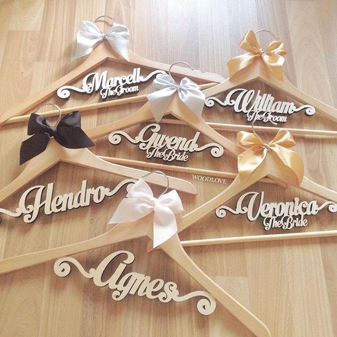 Wooden Hanger by WoodLove - 013