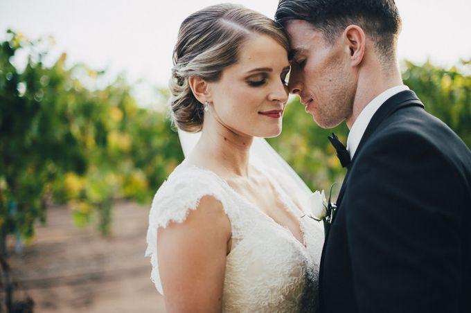 Hannah and James Wedding by iZO Photography - 011