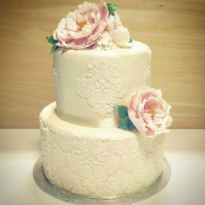 Dainty Sweet Floral Cakes by The Delights Heaven - 002