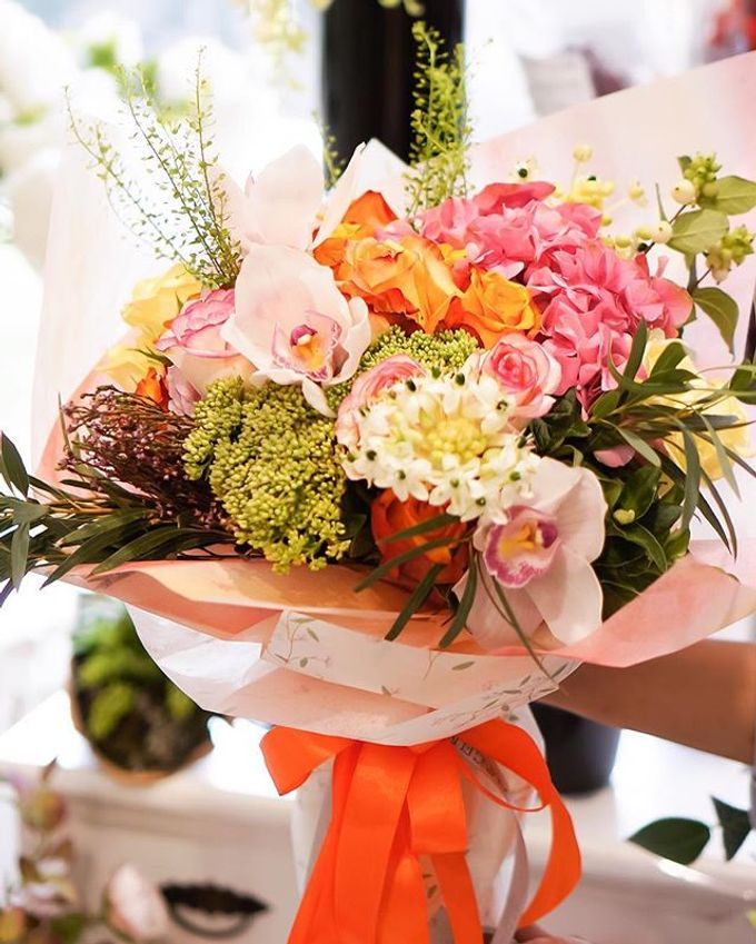 Flower Bouquets by Blooming Elise Flowers - 014