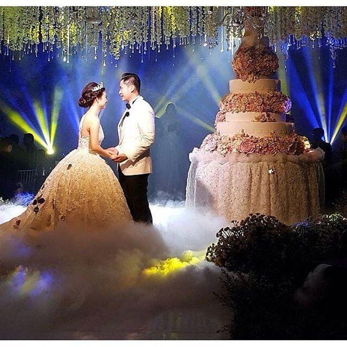 Grand Ballroom Wedding by Shangri-La Hotel, Surabaya - 005