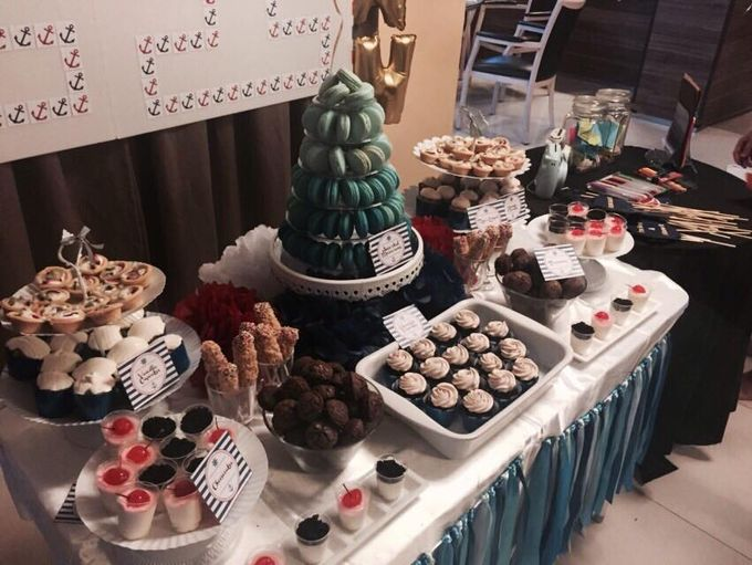 Dessert Table by Amore Macarons - 001