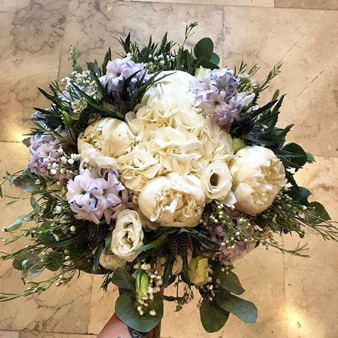 Bouquets  by Weddings by TV - 030