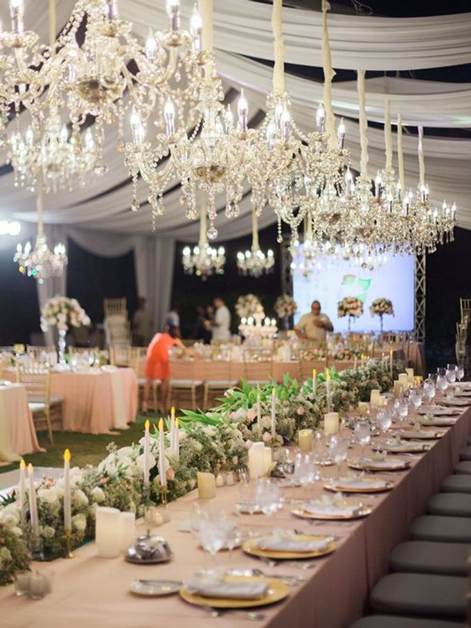 Elegant and Tasteful Wedding at Sky Ayana by Flora Botanica Designs - 022