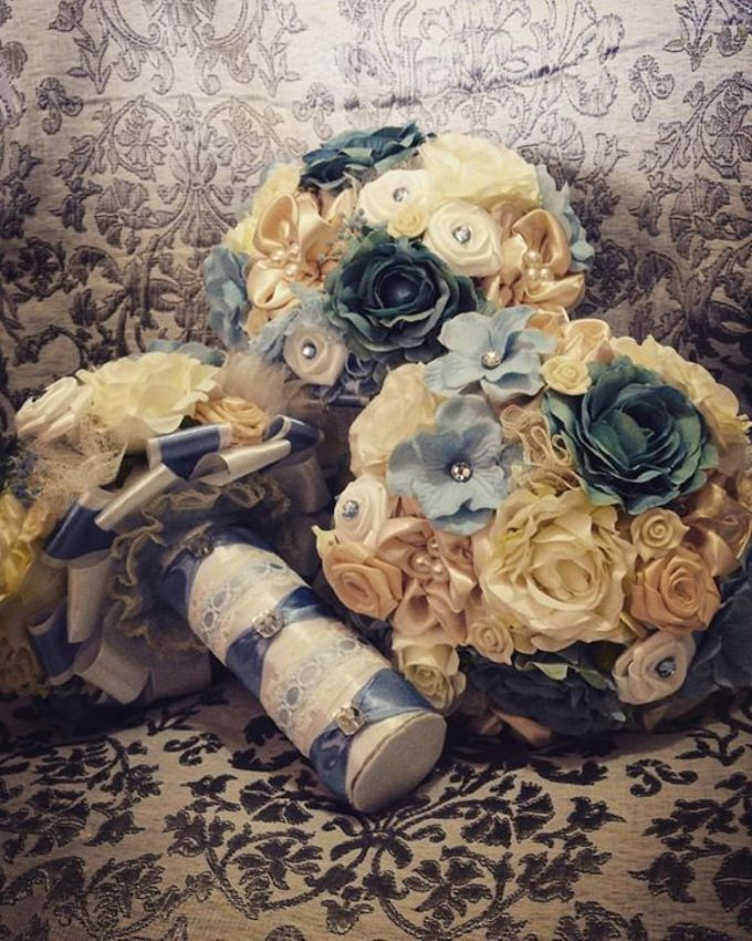 Handcrafted Bouquets and Wedding Accessories  by Duane's Fleur Creatif - 032