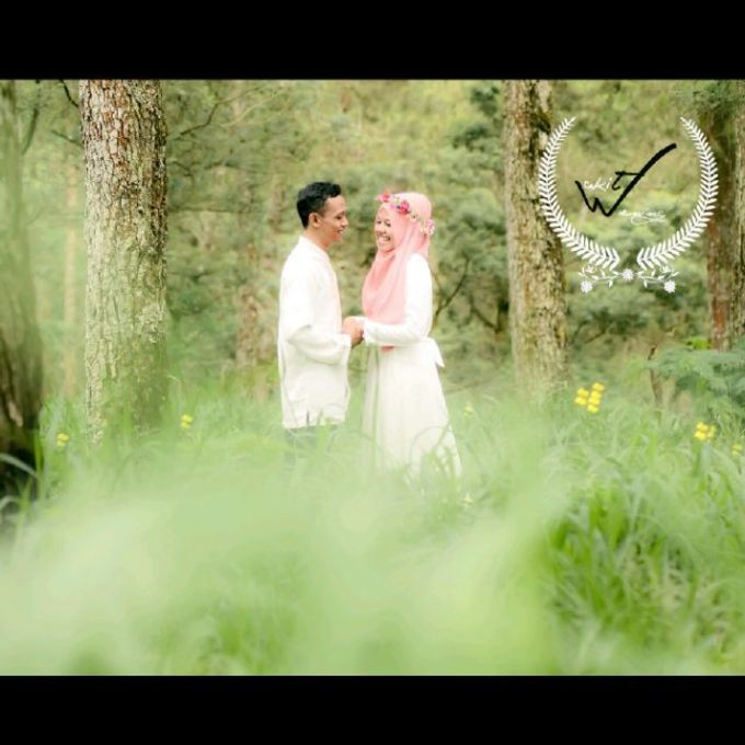 Prewedding Wakhit & Wening by WINOZ PHOTOVIDEOGRAPHY - 002