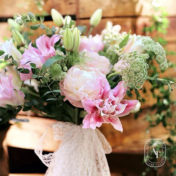 Bride Bouquet by Angie Fior - 009
