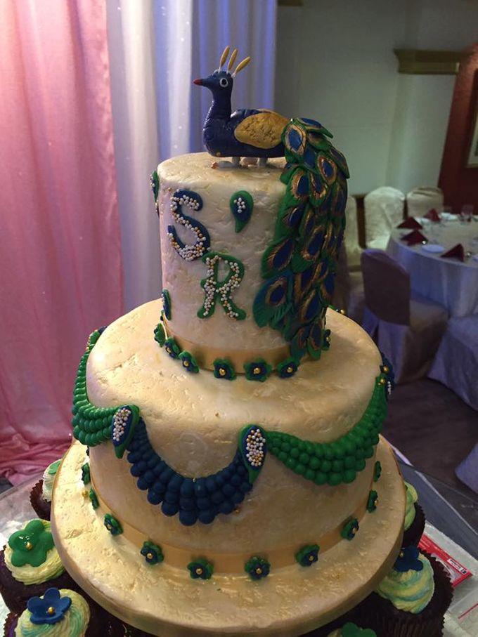 Floral Wedding Cake by Nurture Cakes -Gourmet Cakes with Egg and Eggless - 002