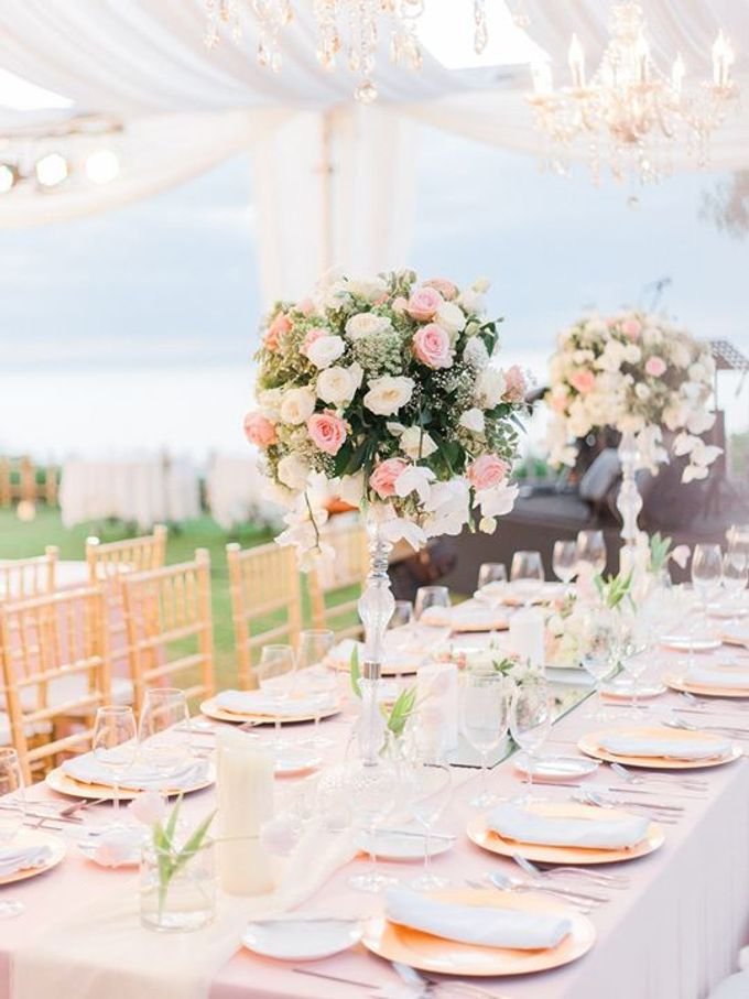 Elegant and Tasteful Wedding at Sky Ayana by Flora Botanica Designs - 014