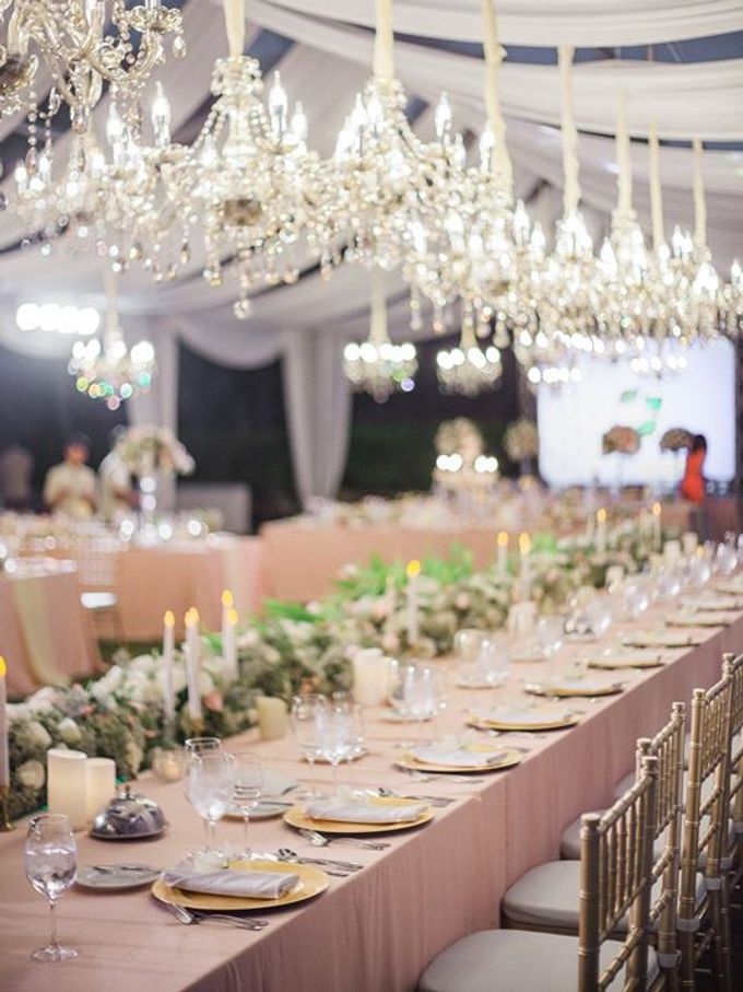 Elegant and Tasteful Wedding at Sky Ayana by Flora Botanica Designs - 018