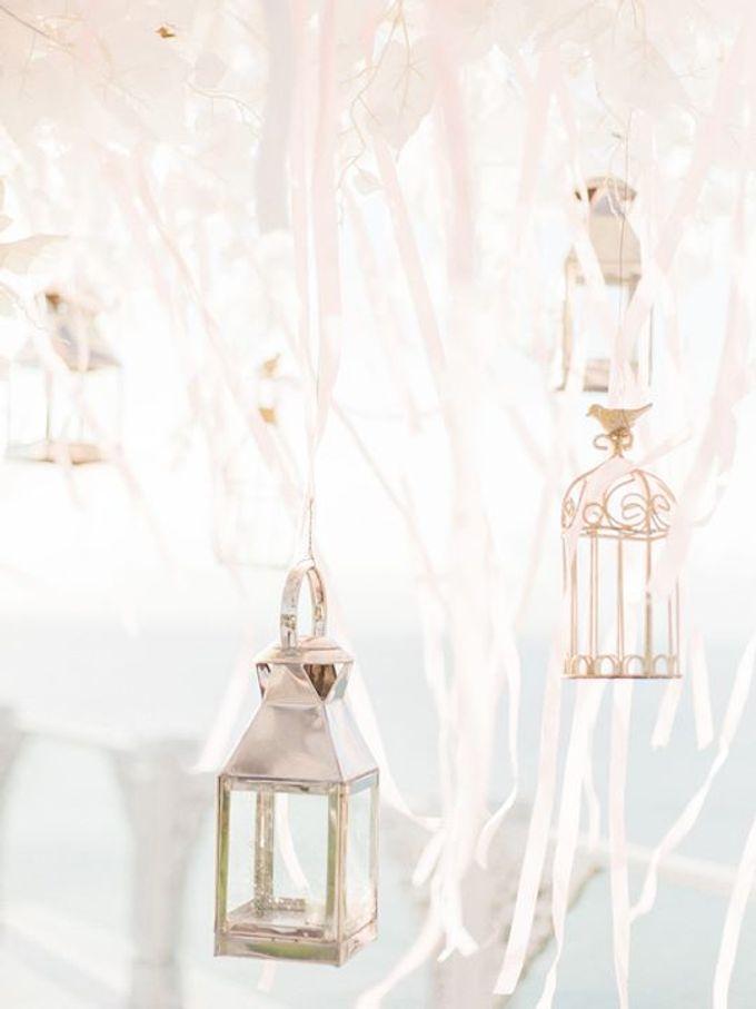 Elegant and Tasteful Wedding at Sky Ayana by Flora Botanica Designs - 004