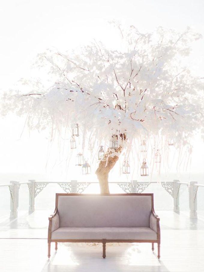Elegant and Tasteful Wedding at Sky Ayana by Flora Botanica Designs - 003