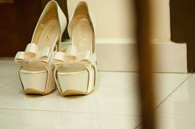 Bridal Shoe Close Ups by Christy Ng Shoes - 014