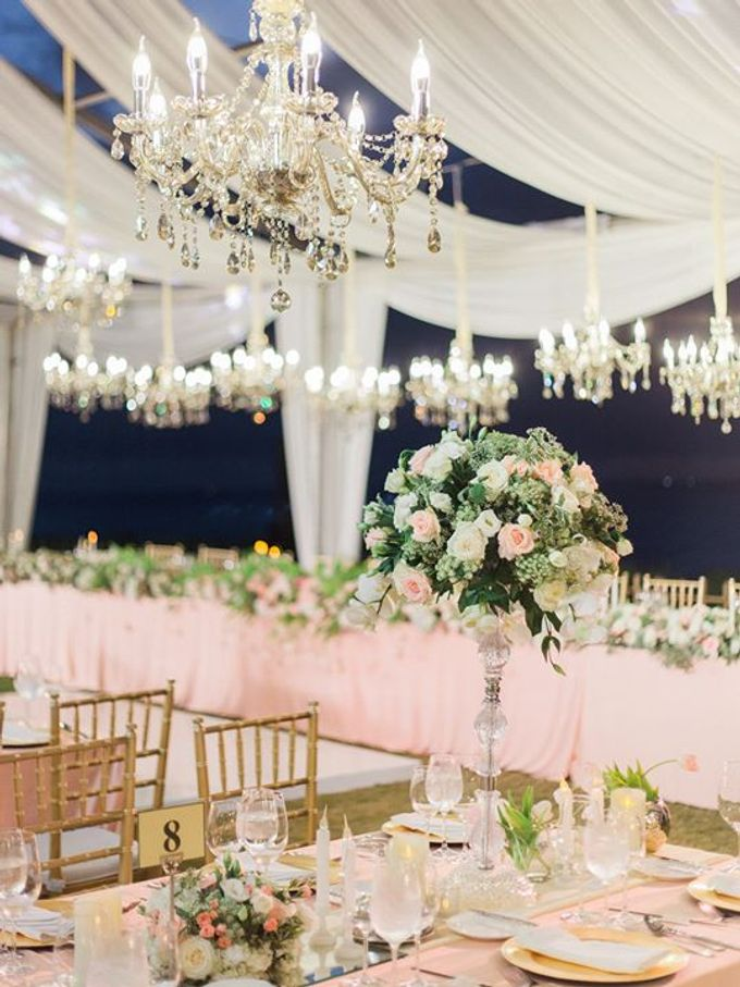 Elegant and Tasteful Wedding at Sky Ayana by Flora Botanica Designs - 020
