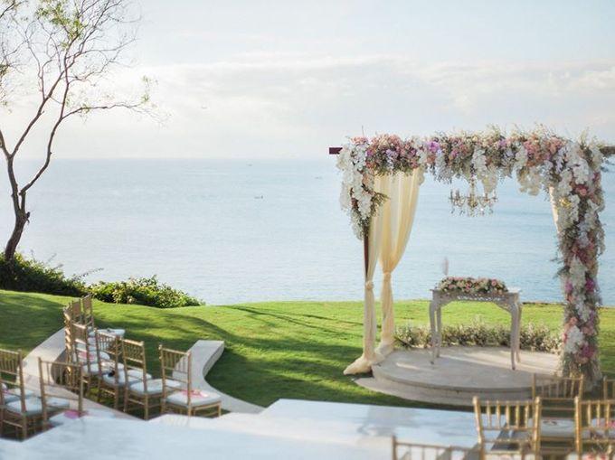 Elegant and Tasteful Wedding at Sky Ayana by Flora Botanica Designs - 001