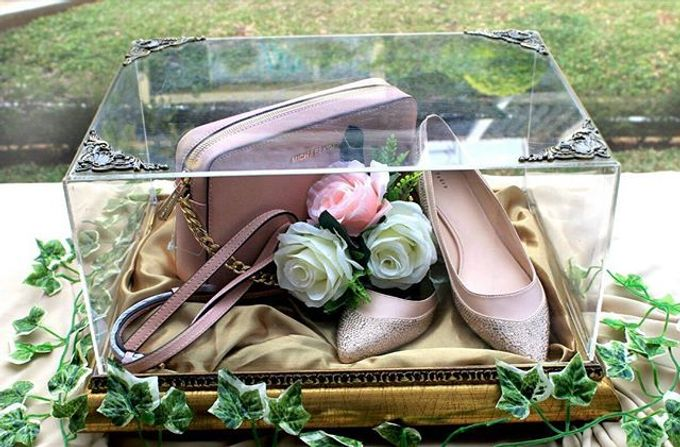 Thw Wedding of Rhina and Arta by Seserahan by Rose Arbor - 006