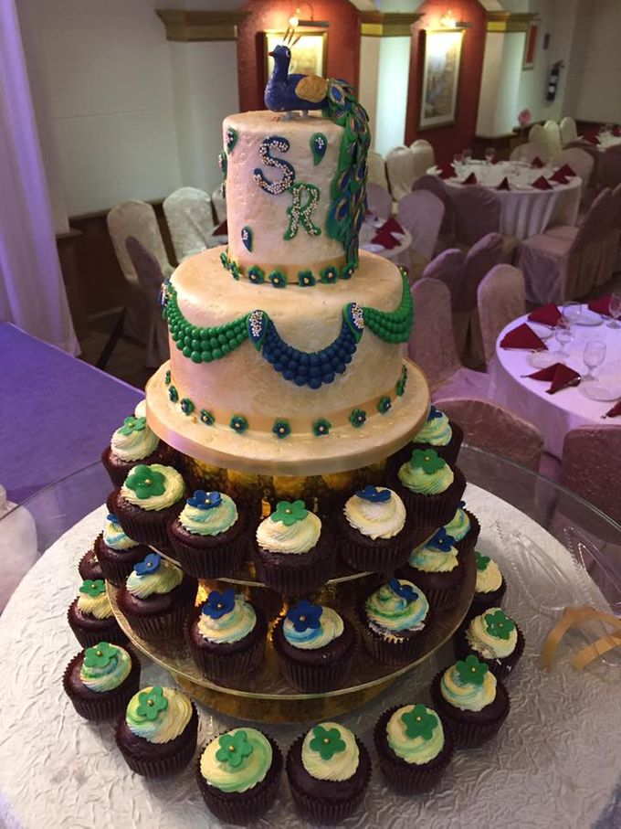 Floral Wedding Cake by Nurture Cakes -Gourmet Cakes with Egg and Eggless - 003