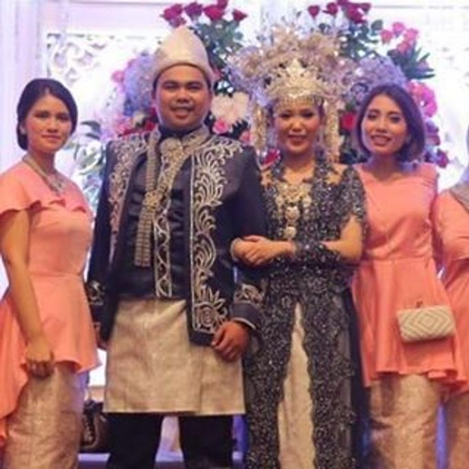 Thw Wedding of Rhina and Arta by Seserahan by Rose Arbor - 008