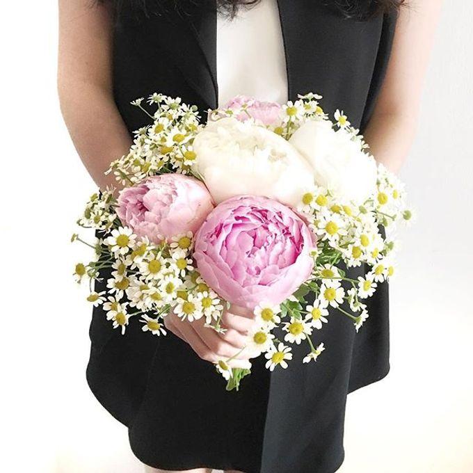 Bridal Hand Bouquet by Petite Fleur SG - 016