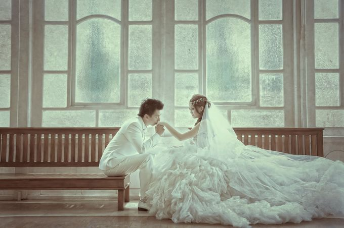 Indoor prewedding by Aldo Item - 017