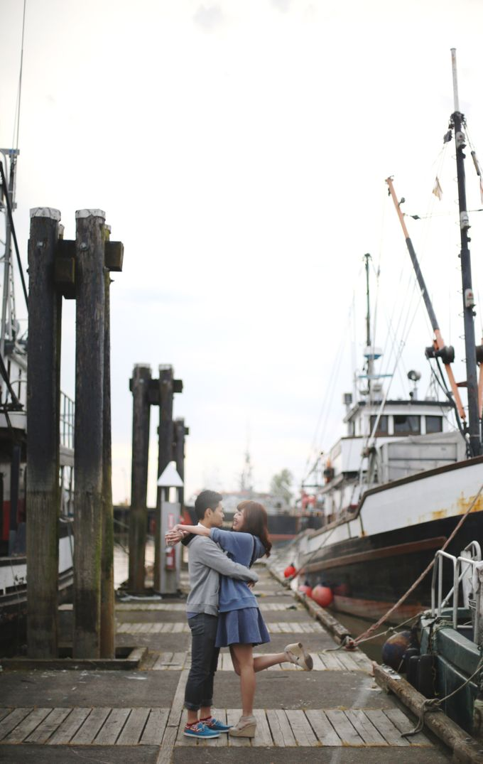 Engagement shoot at Steveston Richmond by Rebecca Ou Photography - 013