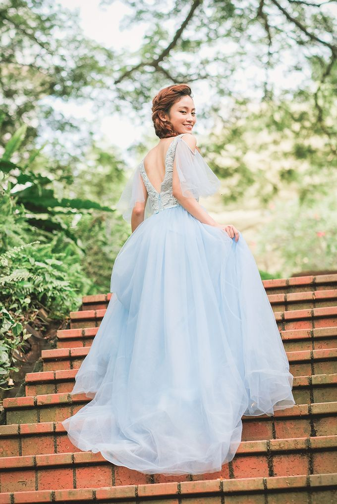 Wildflower Meadow Themed Bridal Shoot at Fort Canning Park by Jen's Obscura (aka Jchan Photography) - 004