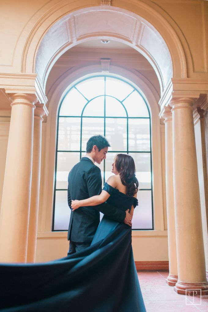 College Sweethearts  School Themed Engagement session with an Elegant twist by Bride Idea - 015