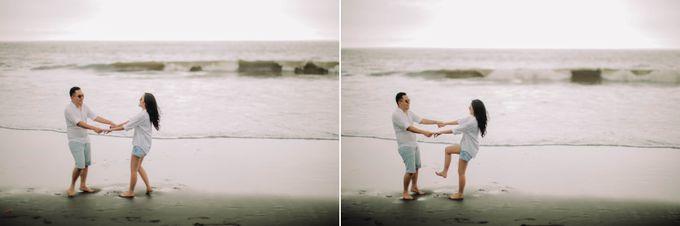 PRE - WEDDING DANIEL & KARINA BY HENOKH WIRANEGARA by All Seasons Photo - 014