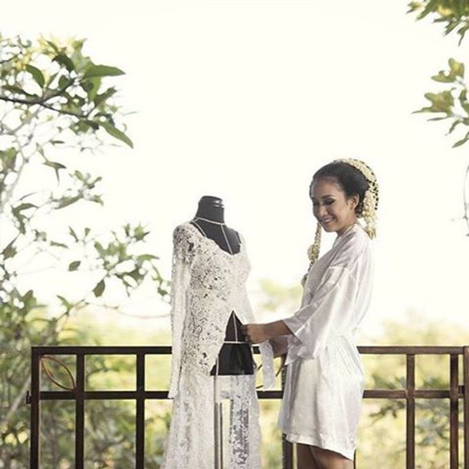 Wedding robes by Vantis Official - 003