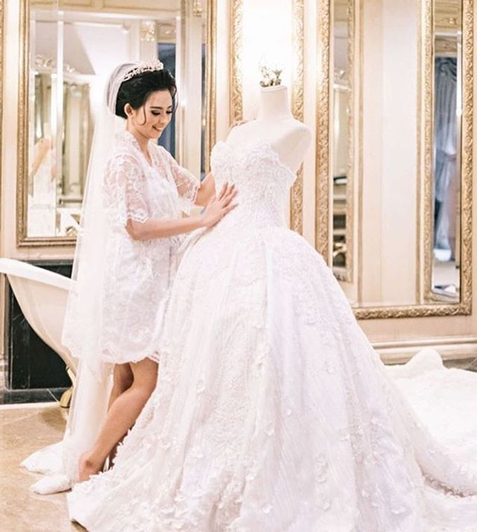 Wedding robes by Vantis Official - 005