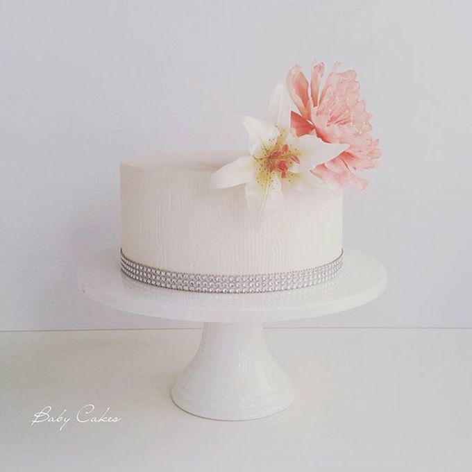Single tier and multi tiered cakes by Baby Cakes - 016
