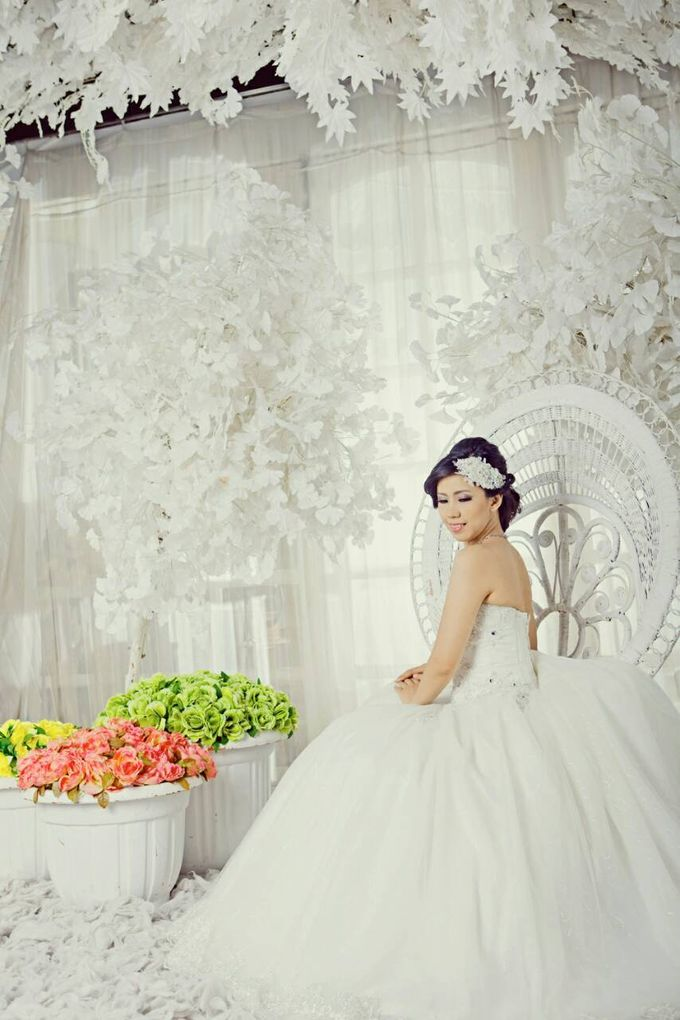 Prewedding makeup by Makeup by Ie - 004