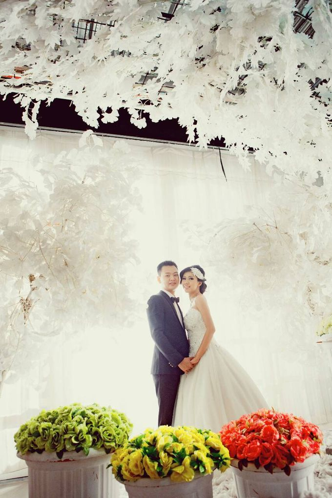 Prewedding makeup by Makeup by Ie - 008