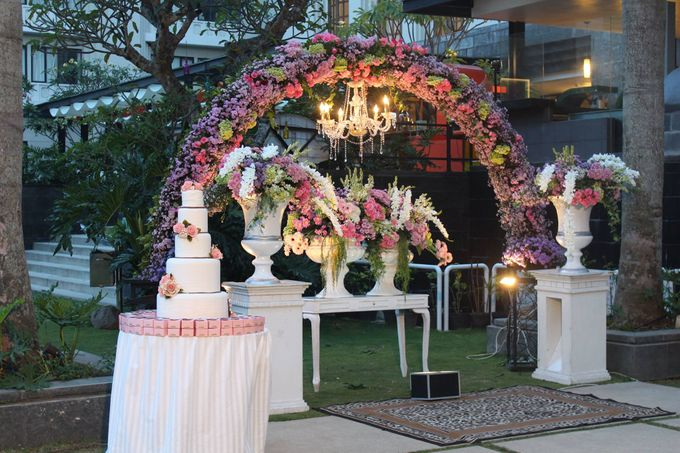 The wedding of sasha bachsan by harris hotel convention center add to board the wedding of sasha bachsan by harris hotel convention center malang 001 junglespirit Gallery