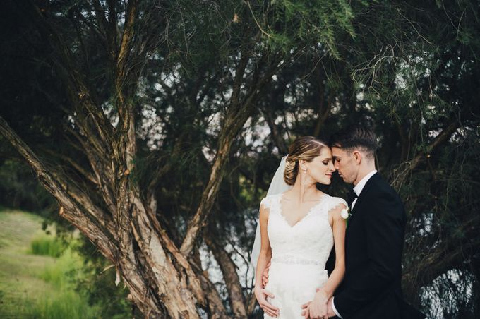 Hannah and James Wedding by iZO Photography - 019