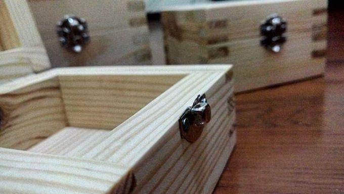 Wedding ring box by Hana Seserahan - 017