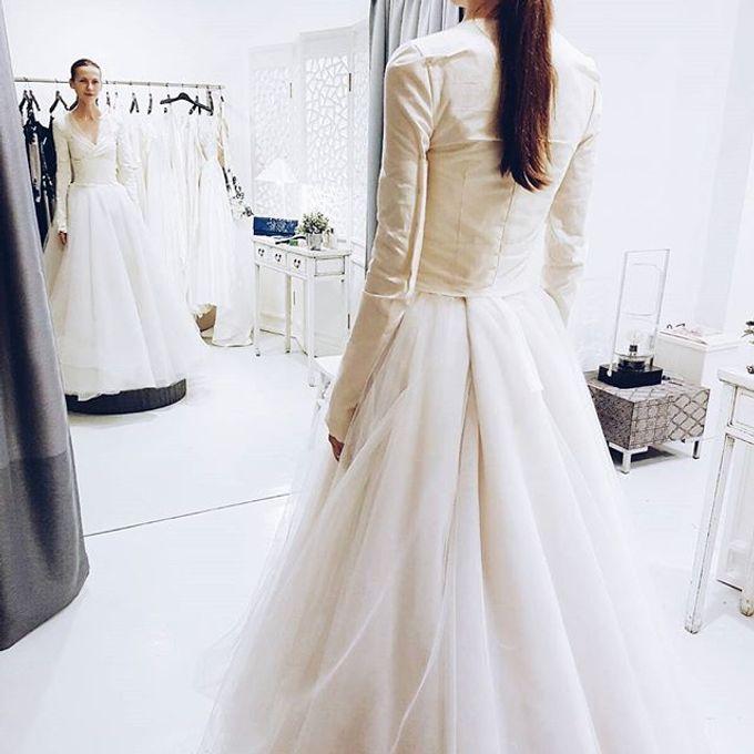 Versatile Elegance by Nicolas Laville Couture - 002