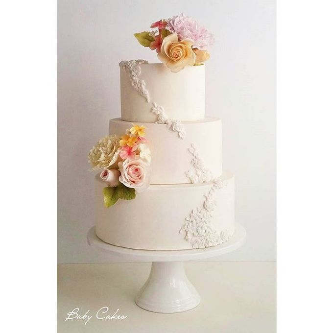 Single tier and multi tiered cakes by Baby Cakes - 003
