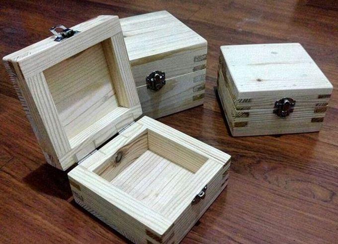 Wedding ring box by Hana Seserahan - 016