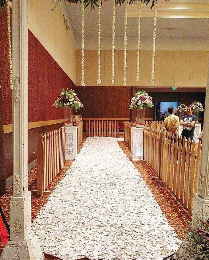 VANNY ARI *CHANDIRA WEDDING PACKAGE* by Chandira Wedding Organizer - 027