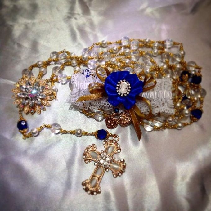 Handcrafted Bouquets and Wedding Accessories  by Duane's Fleur Creatif - 021