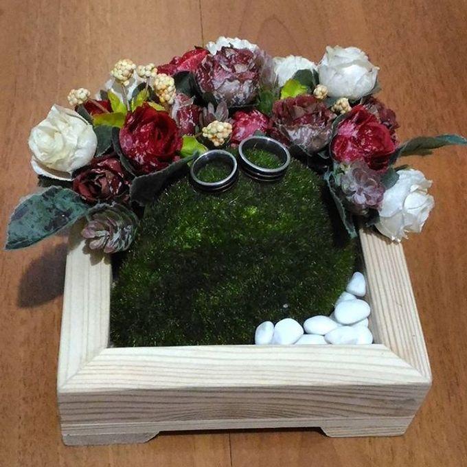 Wedding ring box by Hana Seserahan - 019