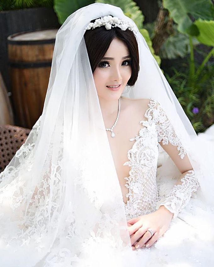 BONIFASIUS & MEIRILYN WEDDING DAY by Tinara Brides - 002