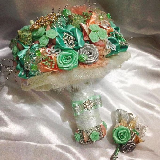 Handcrafted Bouquets and Wedding Accessories  by Duane's Fleur Creatif - 013