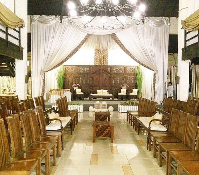 Syahnaz & Yudha engagement by Chandira Wedding Organizer - 027