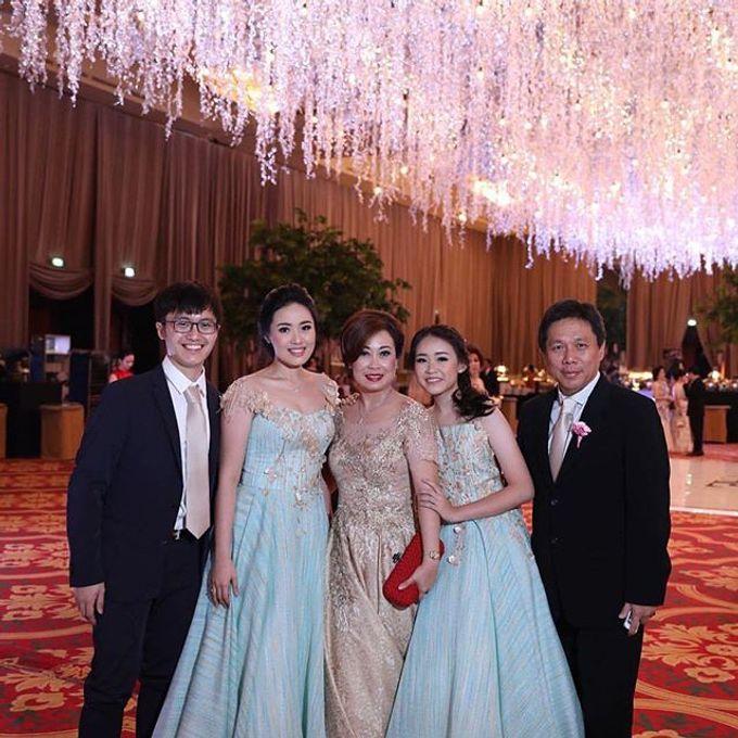 Sister Dresses of Lisa&Lukas Wedding  by FANNY KARTIKA - 005