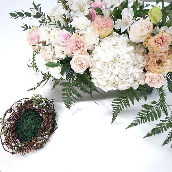 Solemnization / Reception Table / Wedding Venue Decoration by Petite Fleur SG - 005