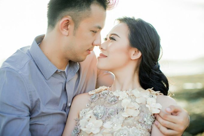 Davin & Yunisa Prewedding Makeup and hairdo by Imelda Hudiyono Bride - 004
