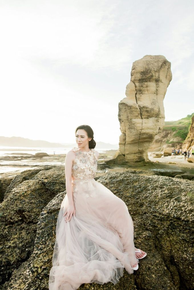 Davin & Yunisa Prewedding Makeup and hairdo by Imelda Hudiyono Bride - 005